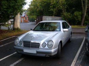 Mercedes-Benz E300 Td